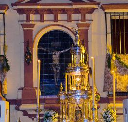 Festividad de la Exaltación a la Santa Cruz y Procesión Eucarística por las naves del templo